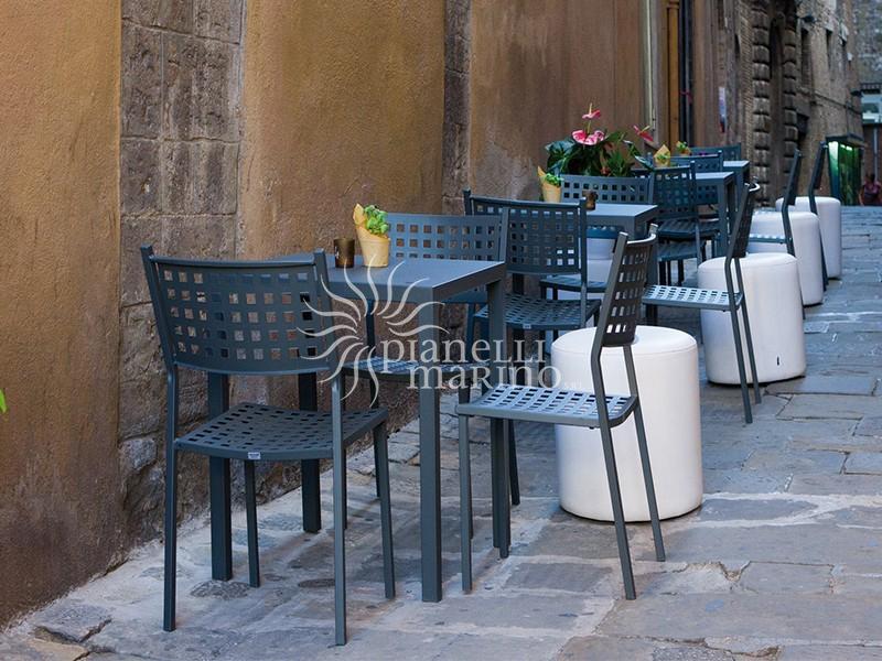 Mobili da giardino umbria for Arredo giardino perugia